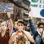 Школьники и студенты по всему миру бастуют против экологической катастрофы